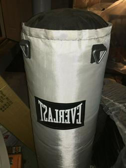 Everlast 80 lb Punching Bag, Stand and Boxing Gloves. Never